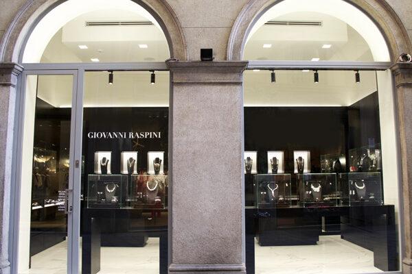 Allestimento negozi Giovanni Raspini in Milano (Brera e Via della Spiga)