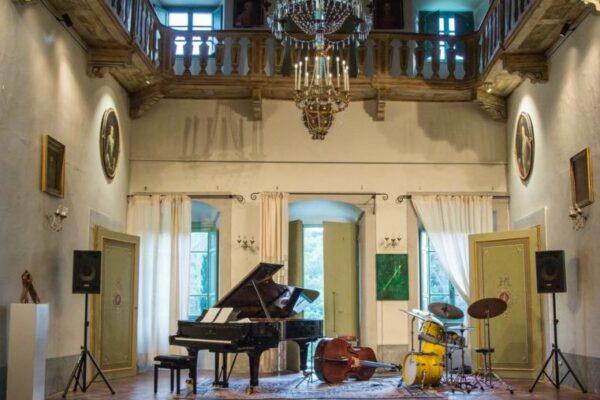 """Restauro e consolidamento di """"Villa il Cicaleto"""" e Sala di registrazione musicale, Sargiano"""