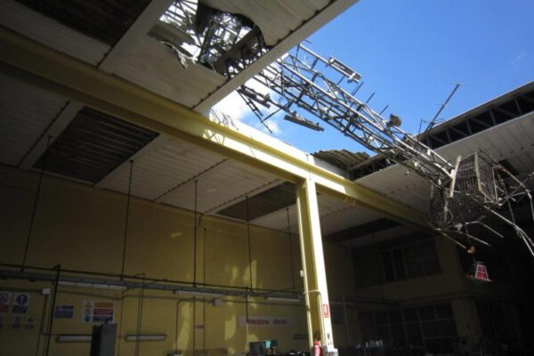 Progetto e DL riparazione copertura crollata per collasso di traliccio su immobile in Via Fiorentina, Arezzo