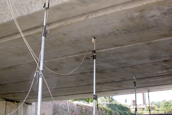 Collaudo strutturale in corso d'opera del ponte in c.a.p. per rotatoria su torrente Vacchereccia, San Giovanni Valdarno