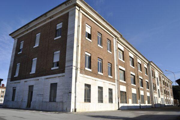 """Verifica Sismica e progettazione preliminare di riqualificazione di tre edifici per alloggi e uffici, 186° Reggimento """"Folgore"""", Siena"""