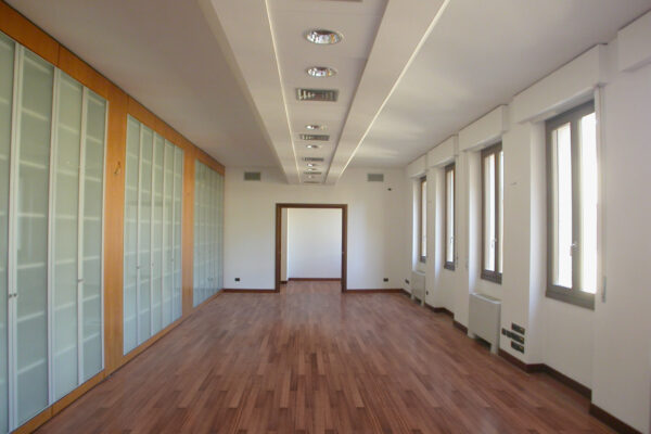 Consulenza allestimento nuova sede Banca IXIS spa in Via Durini, Milano